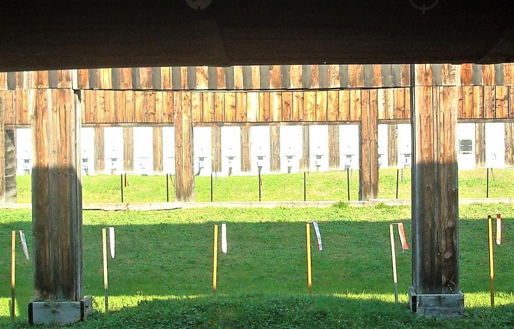 L'interno del poligono di tiro di Bologna oggi, .
