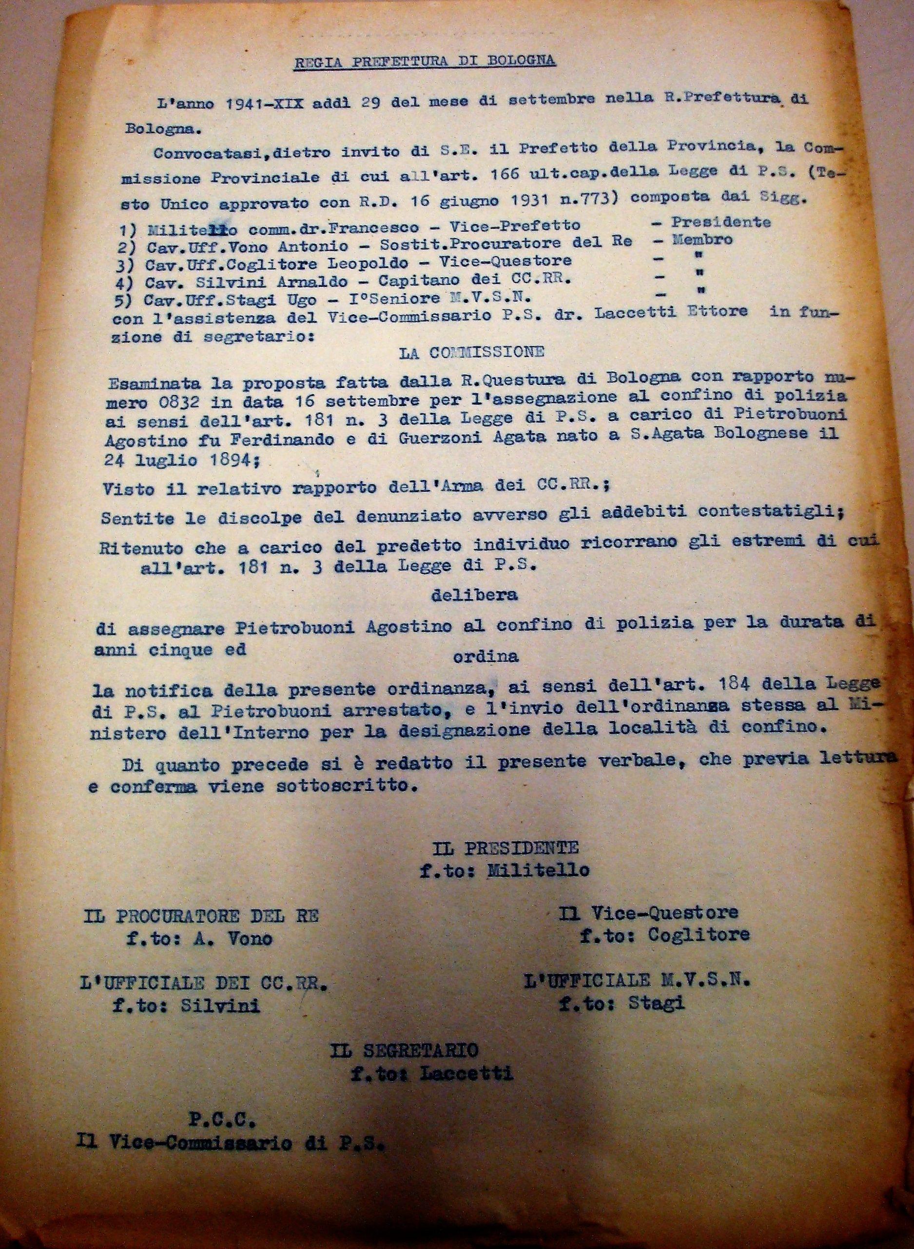 La sentenza di condanna al confino per cinque anni comminata dalla Commissione Provinciale di Bologna ad Agostino Pietrobuoni, il 29 settembre 1941. Archivio di Stato di Bologna.
