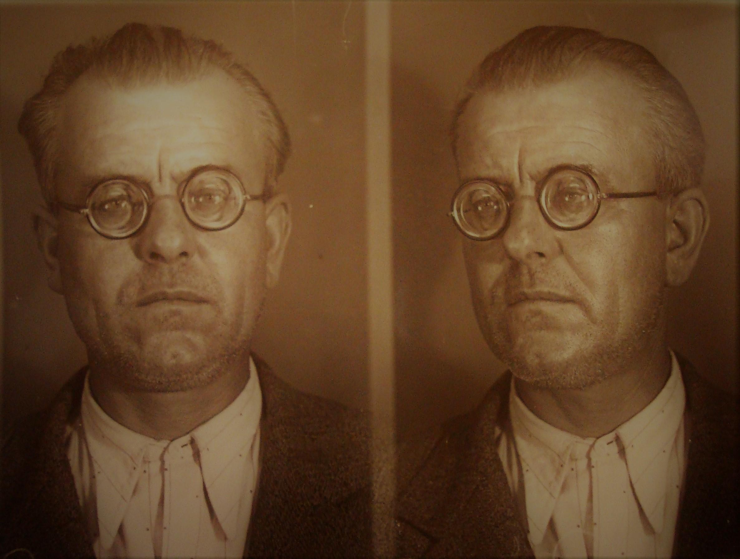 Altre foto segnaletiche di Agostino Pietrobuoni nel suo fascicolo personale. Archivio di Stato di Bologna.