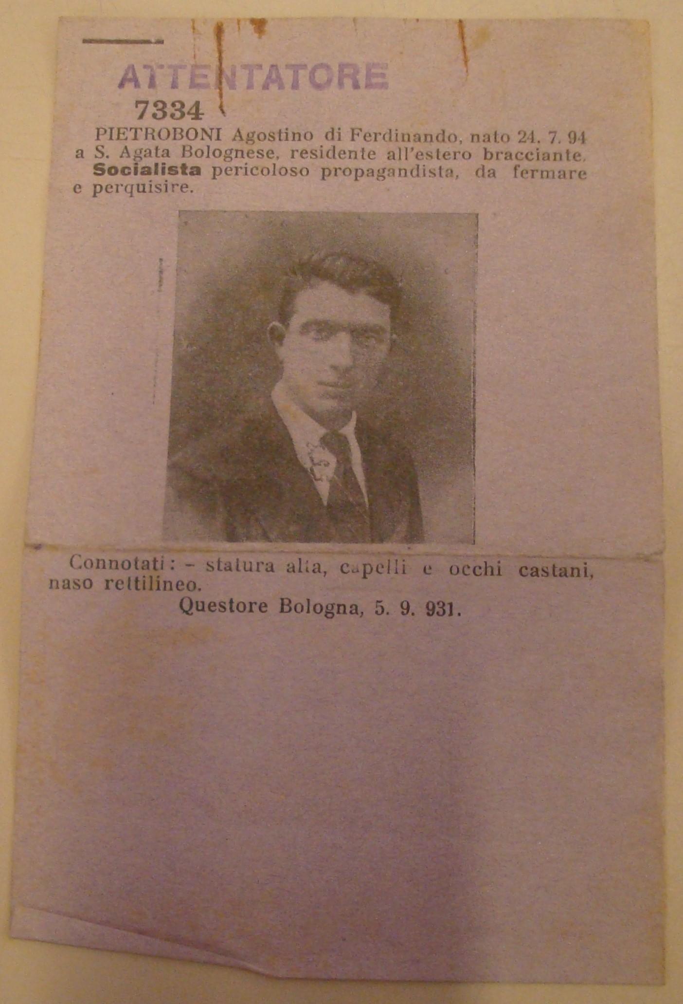 Foto segnaletica per il Registro alla Frontiera di Agostino Pietrobuoni, nel fascicolo a suo nome presso l'Archivio di Stato di Bologna.